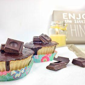 Magdalenas sin azúcar, altas en proteinas y con cobertura durita de chocolate...¡No te las pierdas!