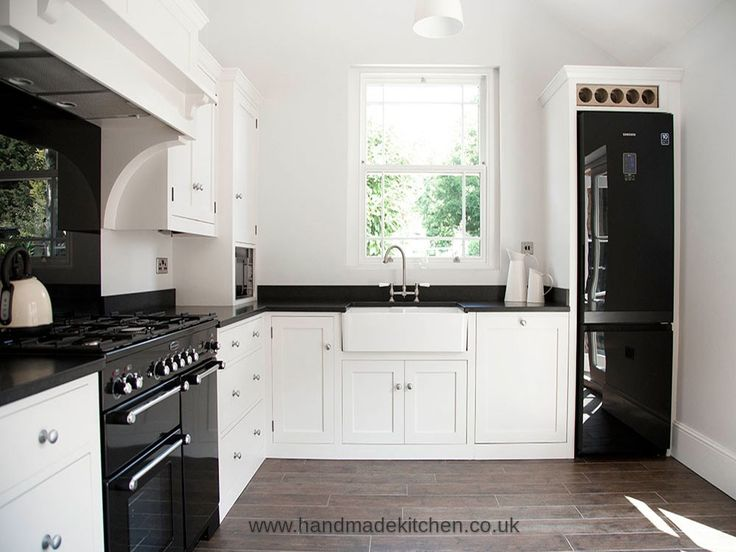Bespoke kitchens | Affordable luxury | Handmade Kitchens | Handpainted Kitchens | Shaker style Kitchens | In-frame Style Kitchens  ESSEX