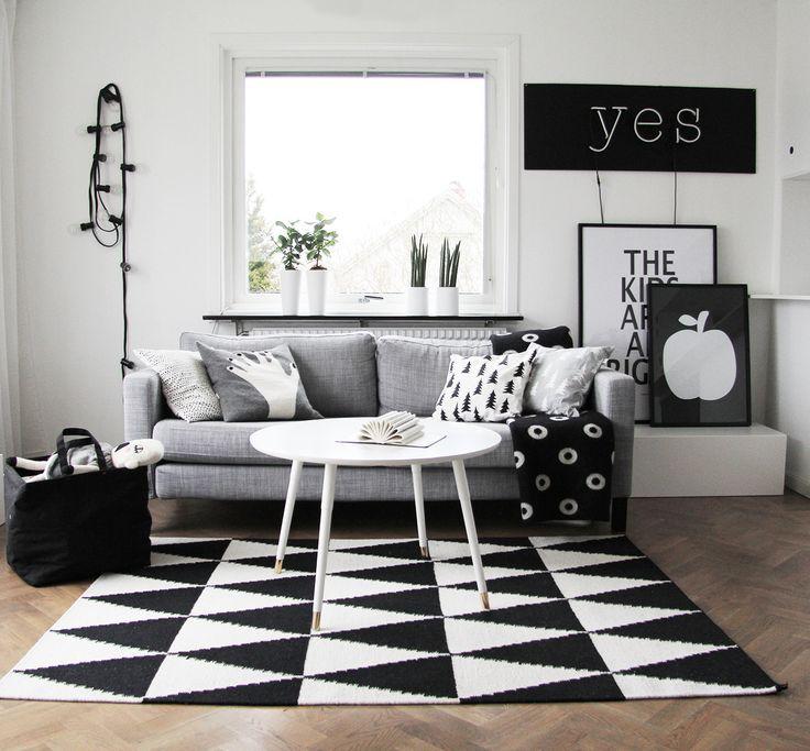 http://thecottagemarket.com/2015/03/50-shades-black-white-home-decor.html