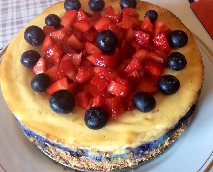 White chocolate cheesecake for Mother's Day, after Mary Berrry's recipe