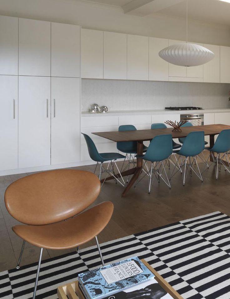 STEEPLE APARTMENT | alwill  #armchair #interiors #kitchen #diningroom #diningtable #leather #rug #woodenfloor #pendant