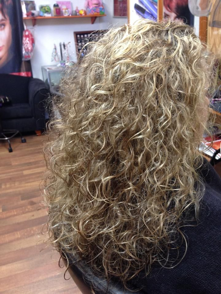 gorgeous loose curl perm--another view