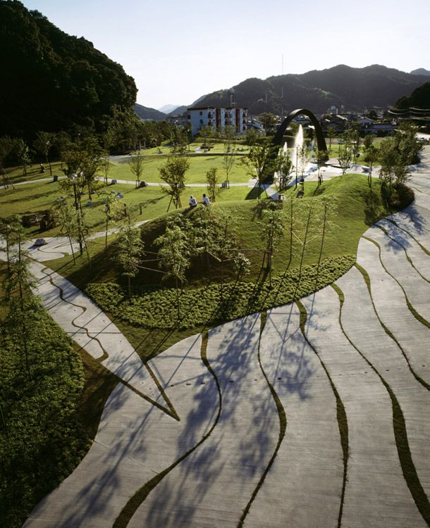 Bet you haven't seen more peaceful space > Saiki Peace Memorial Park by Eiki Danzuka #landarch http://www.landezine.com/index.php/2012/07/saiki-peace-memorial-park-by-earthscape/saiki-peace-memorial-park-by-earthscape-02/