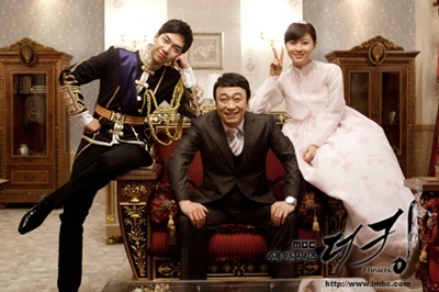 Love this pic of these 3 #king2hearts cuteeeee