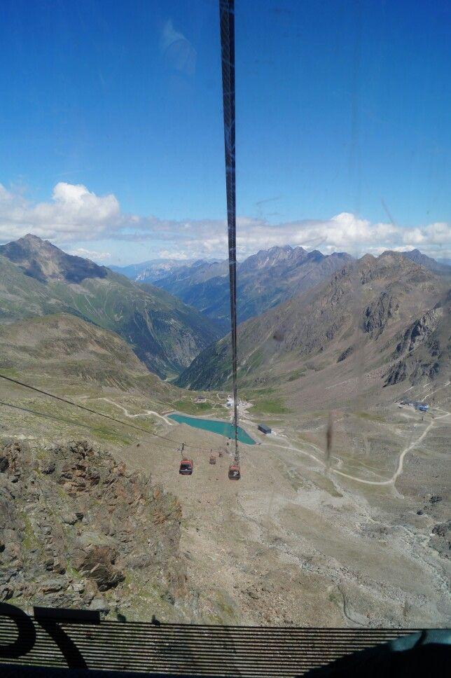 #Neustift Stubaital, bahn nach Stubaier Gletscher. 3200m.