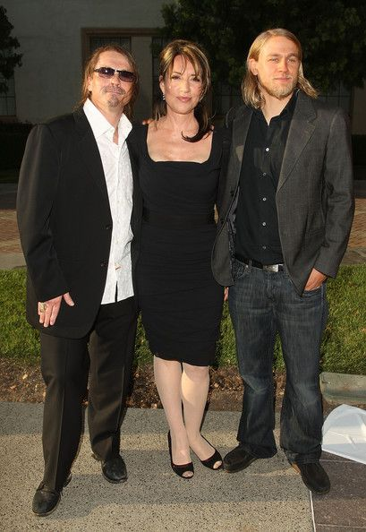"""Charlie Hunnam Photo - Premiere Of FX's """"Sons Of Anarchy"""" Season 2 - Arrivals"""