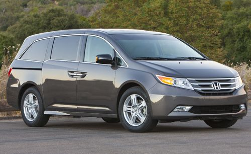 Backup cameras are now standard across the line for all 2013 #Honda Odyssey models! Available in LX, EX, EX-L, Touring and Touring Elite trims.