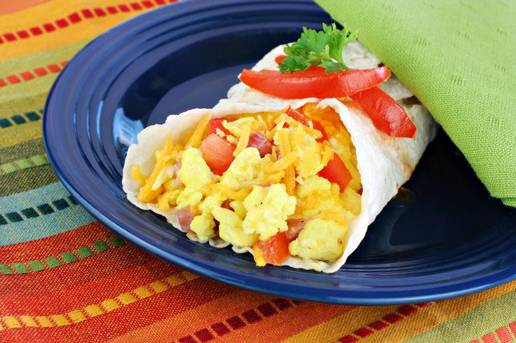 These 6 healthy breakfast wraps will satisfy your stomach and busy schedule.