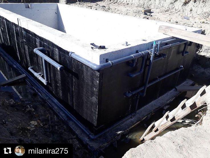 Спец из Санилюкс закончил обвязка бассейна. Будем засыпать и строить вокруг баню. #стройка #стройкакалининград #дома #ижд #санилюкс #бассейн