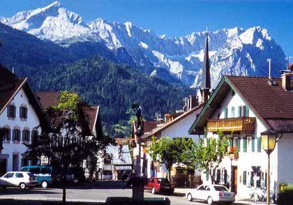 Image detail for -Alpenpanorama: Von Garmisch-Partenkirchen ist die Alpspitze (links ...