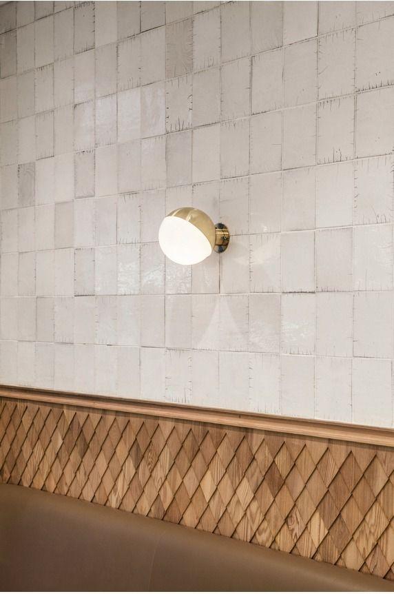 Raku ceramic tiles, wooden rail and wood tiles | Charlotte Biltgen | Clover, Paris