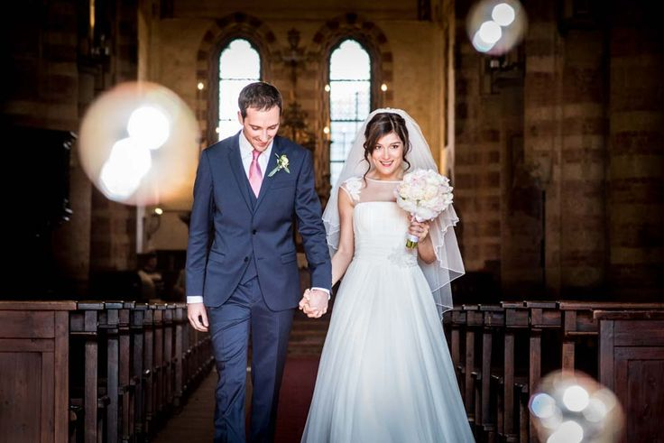 couturehayez, matrimonio, bouquet peonie, sposi uscita chiesa, spos con vestito blu,