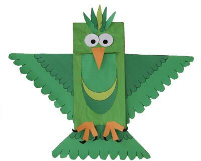 Paper Bag Bird - verander die kloue en snawel en miskien vlerk vorm en vere om die voël te verander. Doen dieselfde met toiletpapier rol.
