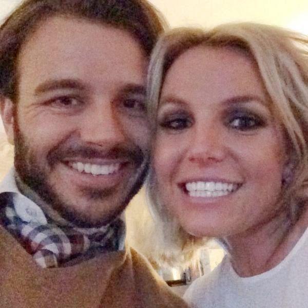 Britney Spears Cuddles with Boyfriend Charlie Ebersol   Shopping Online Usa