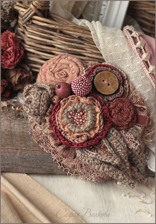 """Брошь """"Пепел ягод"""" - брошь цветок,украшение в волосы,диадема,брошь,крупная брошь"""