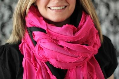 Easy free scarf tutorial: Diy Ideas, Ruffle, Diy Scarves, Diy Crafts, Fleece Scarf, Scarfs, Diy Scarf, Craft Ideas, Sewing Ideas Scarves