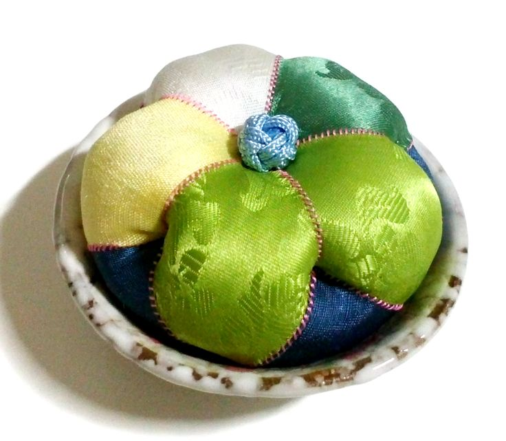 Green color pure silk flower shaped pincushion