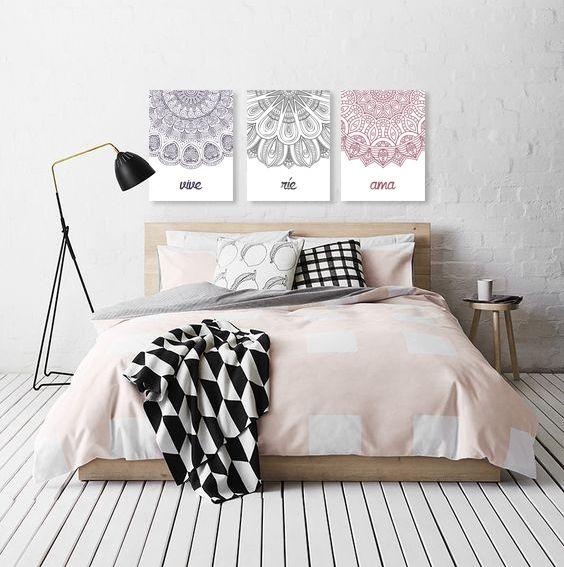 Cuadros modernos para dormitorios. Podemos cambiar los colores para que combine con tu espacio. #cuadros #cuadrosdecorativos #cuadrosmodernos #cuadrosdormitorio #triptico #mandalas