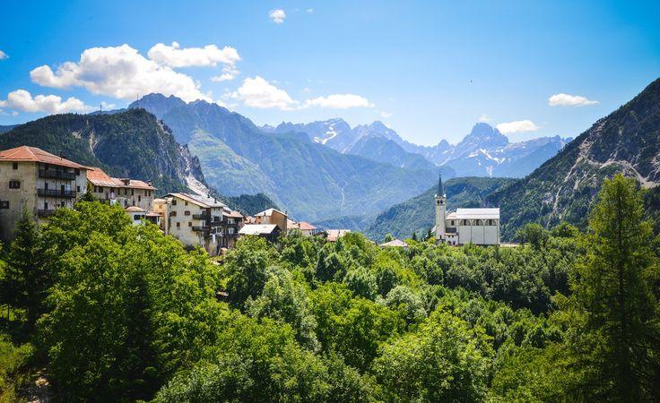 Découvrez la Vénétie et ses lieux incroyables, de Monte Grappa à Asolo ou le Passo San Boldo en récit et en photos