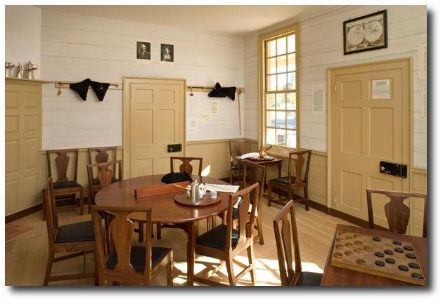Colonial Primitive Decorating Ideas R Charlton 39 S Coffeehouse Colonial Williamsburg