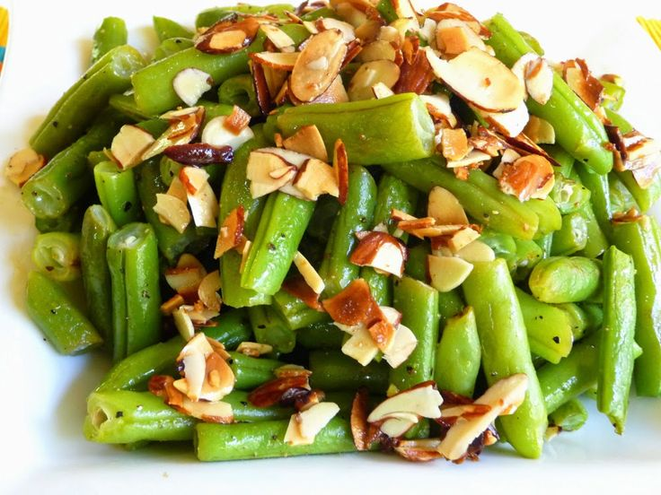 SPLENDID LOW-CARBING BY JENNIFER ELOFF: GREEN BEANS ALMONDINE - Fabulous. Bacon fat gives the toasted almonds such a wonderful flavor. Visit us at: https://www.facebook.com/LowCarbingAmongFriends