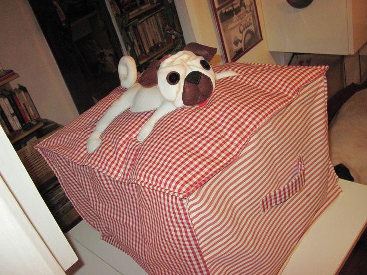 copri-affettatrice con cane carlino