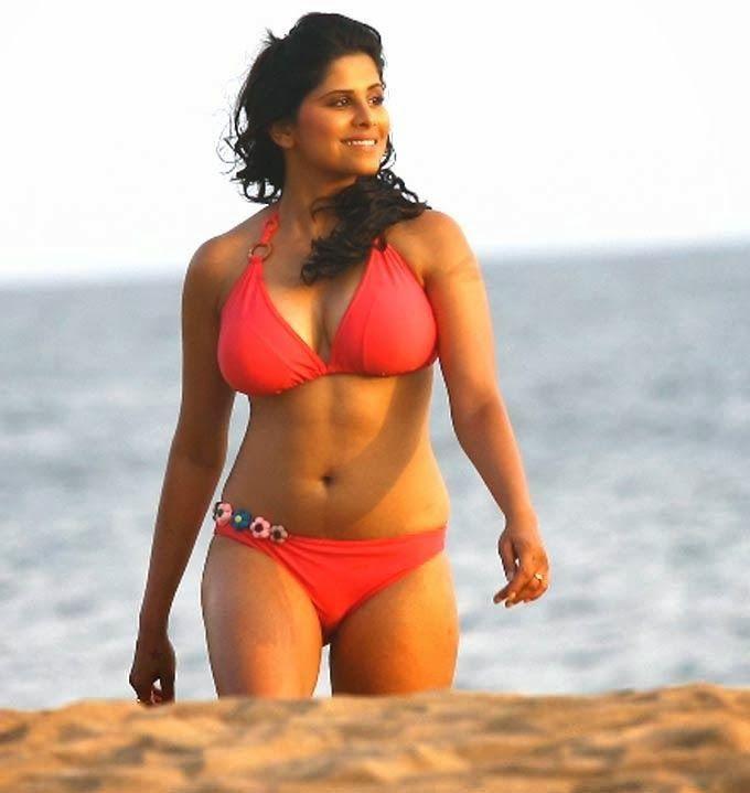Sai Tamhankar Hot - Controversy News, Videos, & Photo Gallery: About Actress Sai Tamhankar & Sexy Bikini Wallpapers