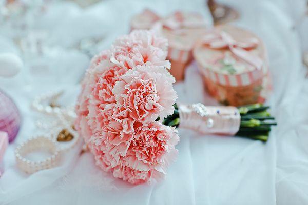 Букет невесты из розовых гвоздик #wedding #bouquet #pink