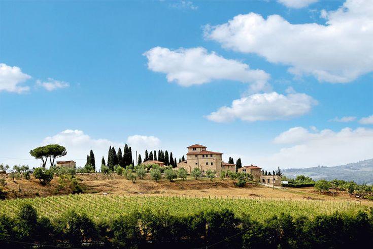 Entdeckungen im Chianti, ein Sonnenuntergang mit Musik in Florenz, bewegende Augenblicke in Siena, klares Wasser an der Etruskischen Küste – folgen Sie uns auf eine Mobil-Tour durch die sanfte Hügelwelt der Toskana.