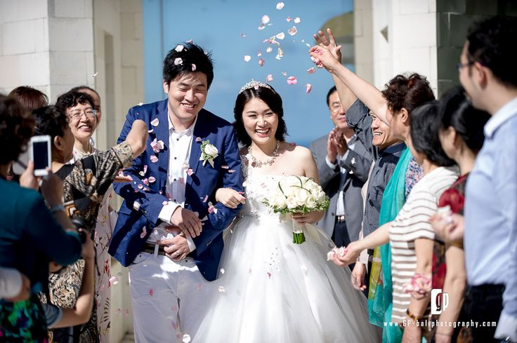 what is better than capturing a happiest moments from happiest couple on their wedding day ?