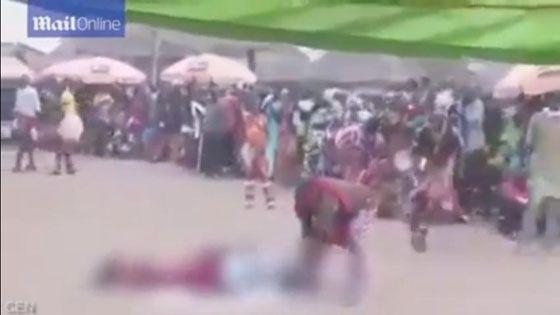 Video Ngeri! :Penyihir Ini Sembelih Orang Hingga Mati Lalu Dibangkitkan Kembali