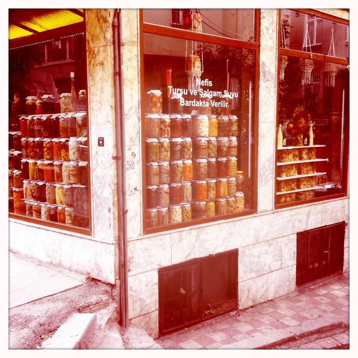 Pots de conserves à Istambul