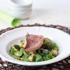Lauwwarme aardappelsalade met groene asperges en avocado