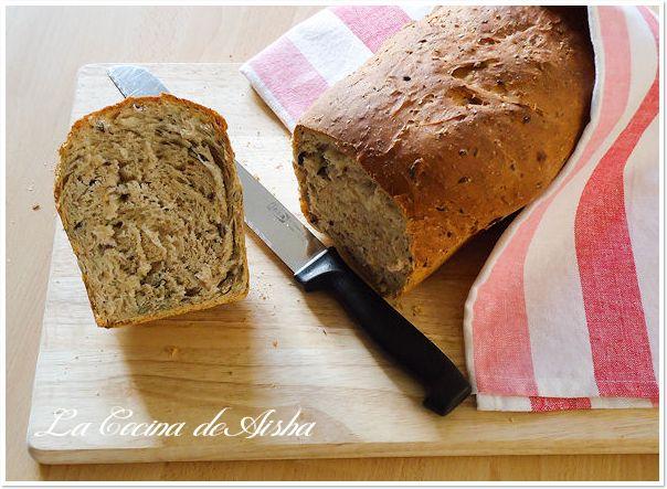Pan de molde con queso crema y semillas