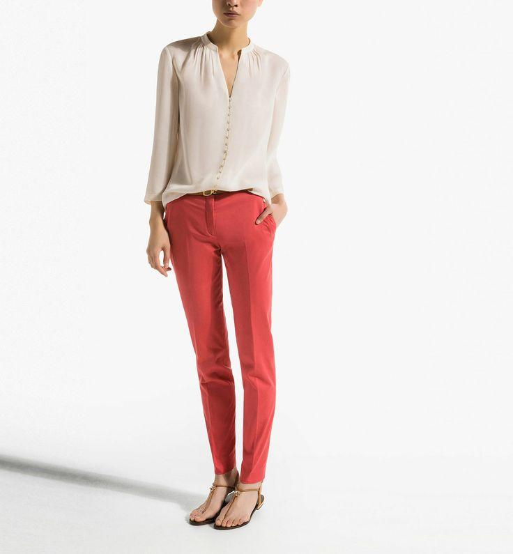 CAMISA BOTONES CRUDO http://www.massimodutti.com/es/es/women/camisas-%26-blusas/camisa-botones-crudo-c1060621p3577255.html?colorId=712