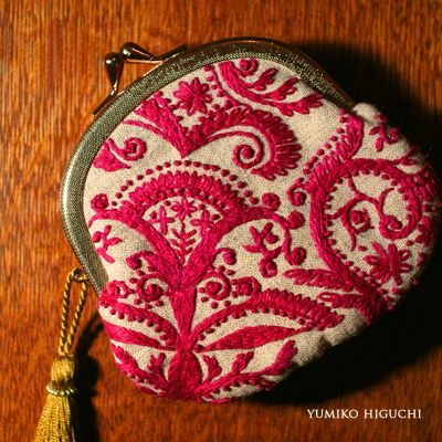 Handmade Porch RED 麻布のがま口ポーチにタッセル(ふさ)付き