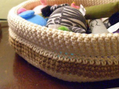 Cesto Portaoggetti: Crochet Baskets, Kitty Stuff, Baskets Patterns, Kitty Beds, Crochet Bowls, Crochet Cat, Free Patterns, Crochet Patterns, Cat Toys