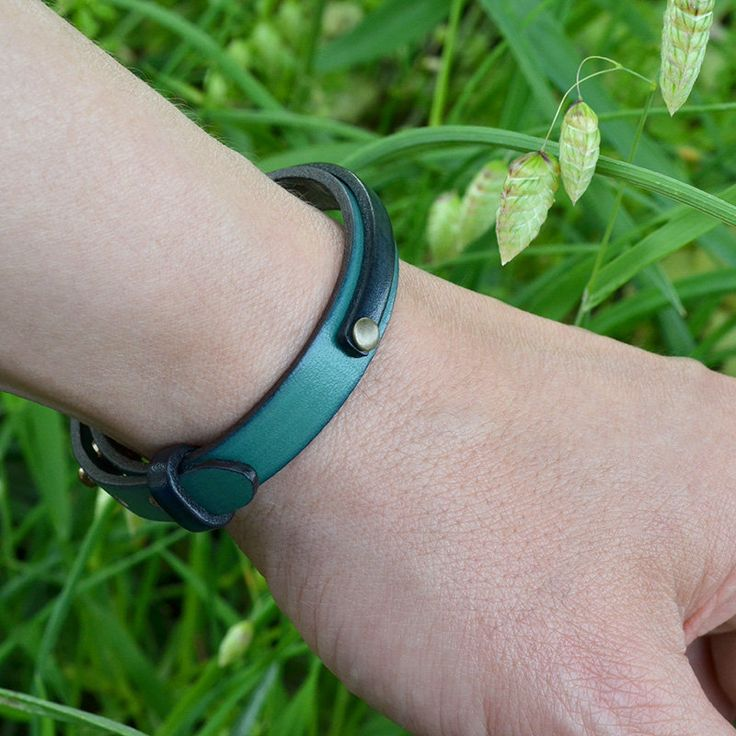 Turquoise leather bracelet. Men. Gift. Japanese jewelry. Mens. Womens. Minimalist. Unique. Birthday gift. Made in Japan. Japanese clothing by PATUWA on Etsy