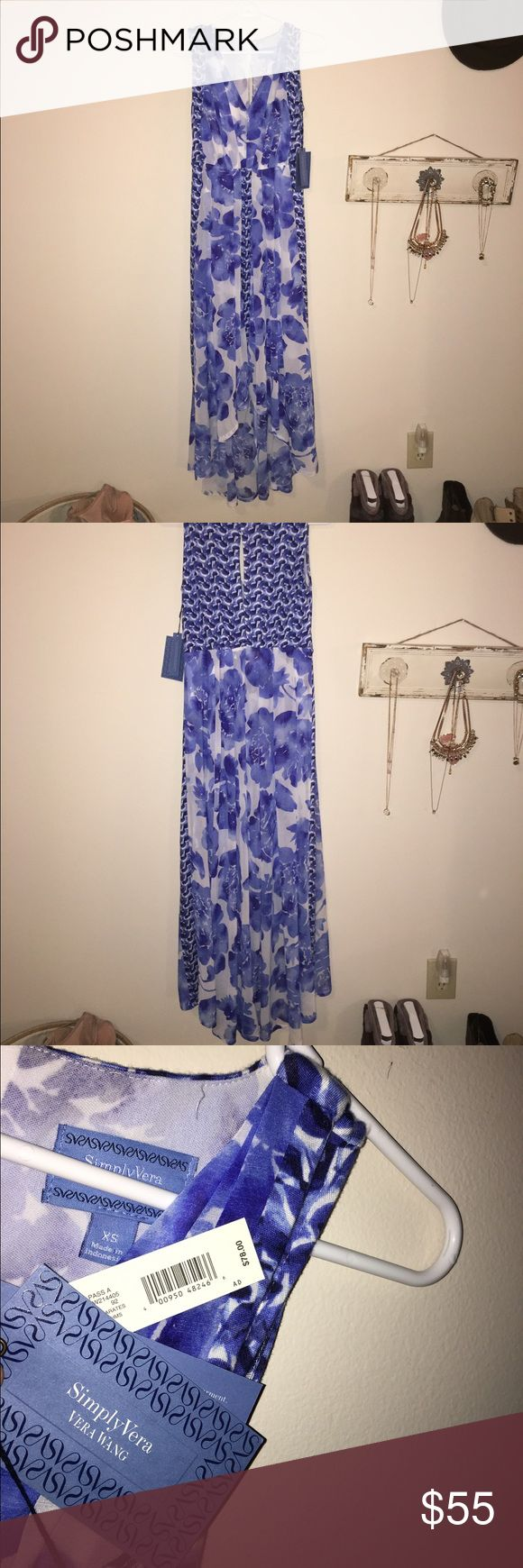 Simply Vera blue and white maxi dress Bought this at Kohls, new with tags, never worn. Different fabrics, shows a little of the ankles. Roomy, comfortable and cute! Size Xs but could fit a small and potentially a medium. Vera Wang Dresses Maxi