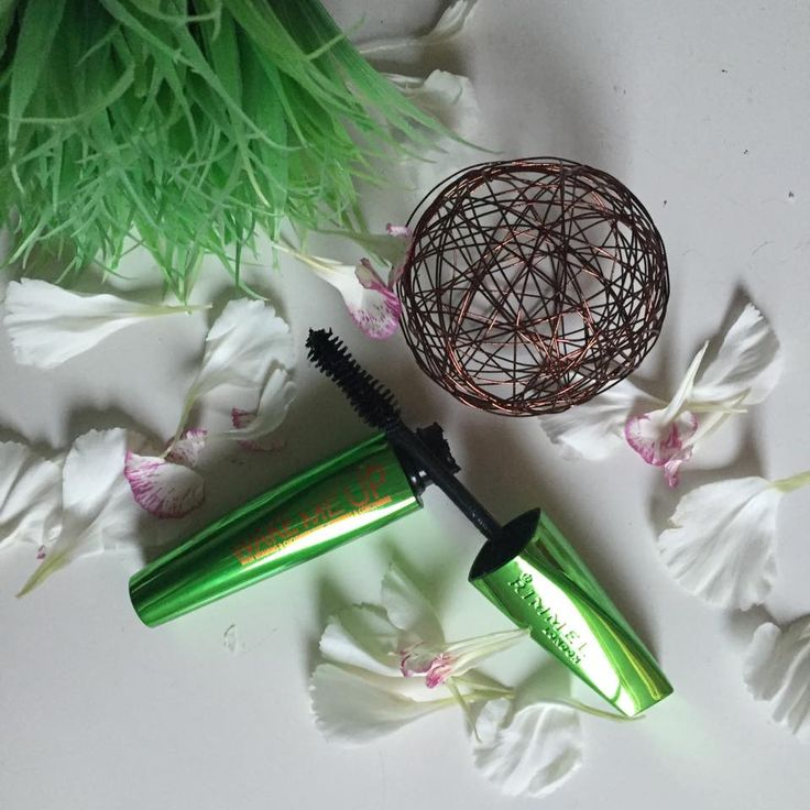La Vie of Beauty: Review | Rimmel London Wonder'full Wake me up mascara with vitamins and cucumber