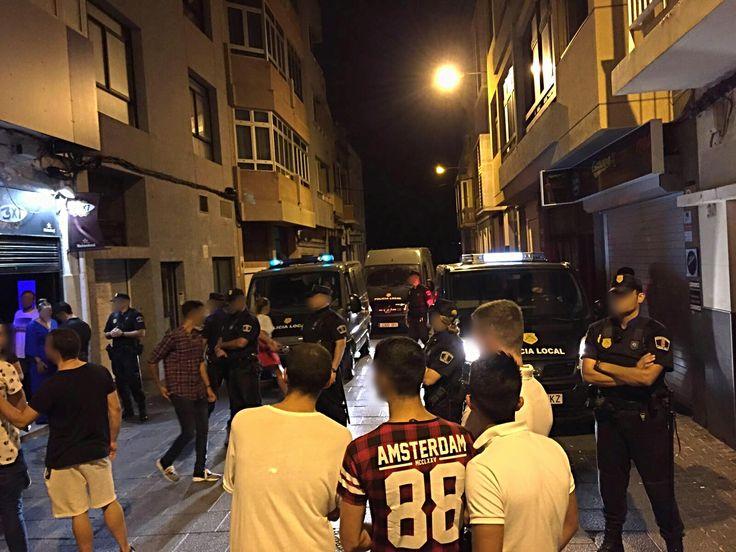 Policía Local desaloja local nocturno por haber menores, Las Palmas