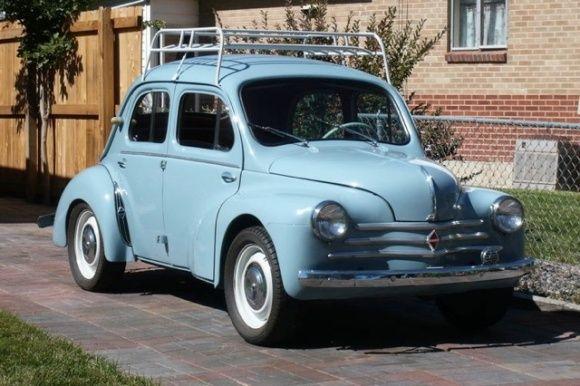 This 1962 Renault 4CV...la même que celle de mon père, le dessus de toit en moins...…ou différent...reépinglé par Maurie Daboux. …¸¸.•*¨*