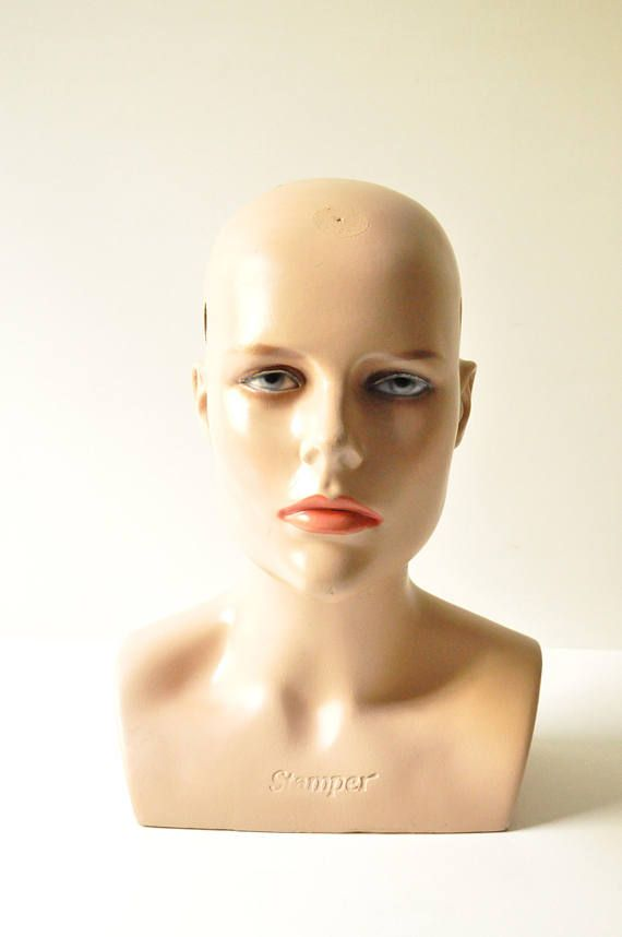 This amazing female mannequin head with its deep, impressive look, will definitely become a conversation piece in your space! Can be used as a wig display as it has pin holes on the top and all sides. Also great for fitting hats or any other crafting and sewing project. It is in natural size. It measures 32 cm in height. The paint has chipped and worn only in a very very small part on its cheek (please check close up photo 5)…