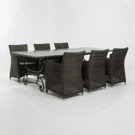 Franse tafel met vlechtwerk stoelen