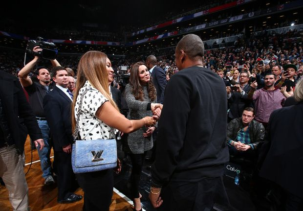 Beyoncé was spotted wearing one Spring 2015 handbag when meeting Prince William and Kate Middleton.