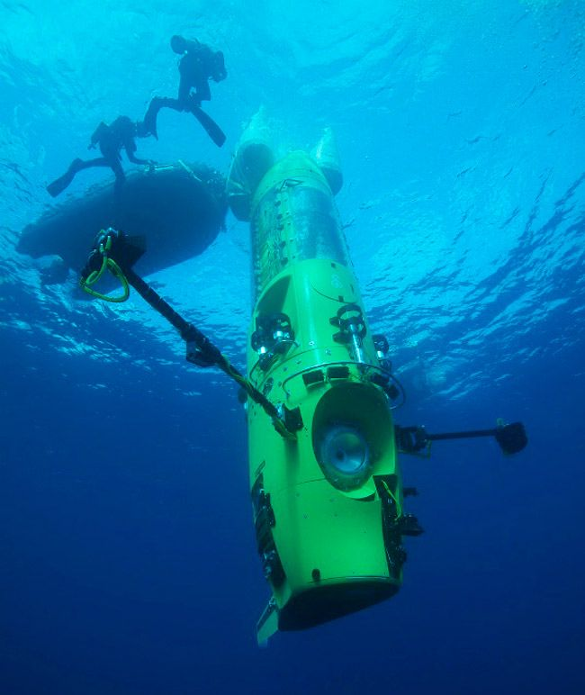 """James Cameron solo dives in THE DEEPSEA CHALLENGER to the ocean's deepest point - joining exploration """"firsts"""" in world history. http://deepseachallenge.com/: James Of Arci, Scubas Diver, Challenges Submer, Deepest Points, James Cameron, The Ocean, Deep Sea, Marianas Trench, Deepsea Challenges"""