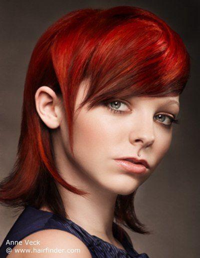Mit einer Farbe, die so hell wie dies werden Sie nicht unbemerkt. Gemischt mit einer raffinierten und anspruchsvolle Form die Intensität des Farbtons... #Ruby #rote #Haare #Mode