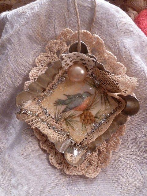 spunbyme.blogspot.com: vintage look CHRISTMAS ORNAMENT bird & lace