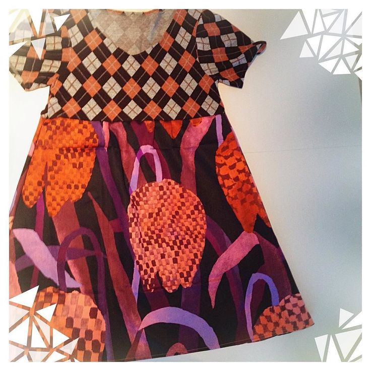 #dress made of #recycledmaterial and #marimekko #fabric #gerda #recycle #recycled #reciclaje #reciclajecreativo #reciclajeconestilo #hechoamano #handmade #sewing #coser  #midiseño #mydesign #sustainable #sustainableliving #sustanible #sustaniblefashion #vhga #granalacant #santapola #vestido #ethicalfashion #reusedmaterial #reuse #piezasunicas #oneofakind