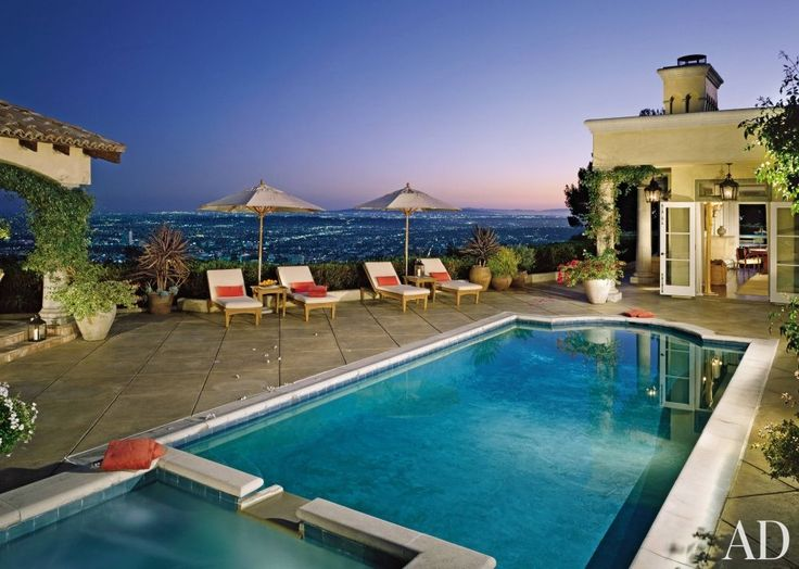 Traditional Pool by MAC II in Los Angeles, California